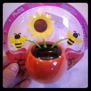 Accessories - Solar Flower with Bees